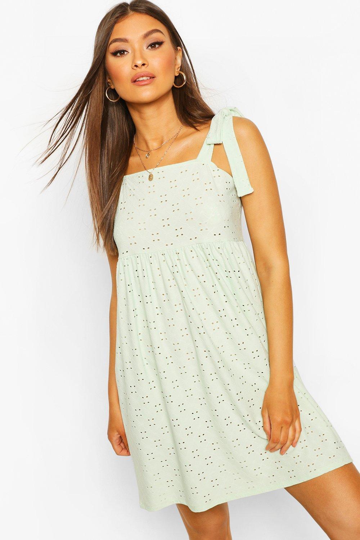 Свободное платье из джерси с вышивкой и завязками