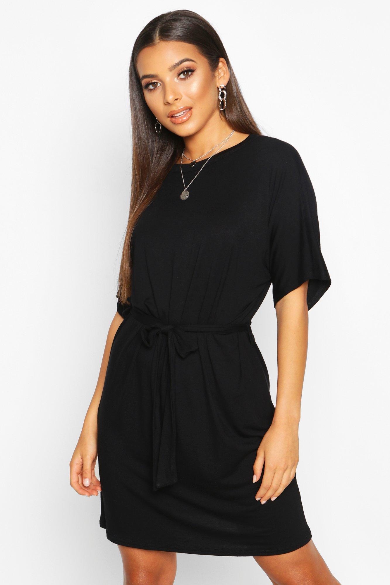 Трикотажное платье футболка из джерси с поясом