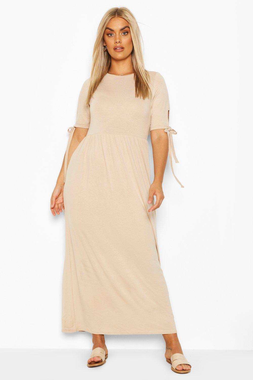 Из коллекции «Плюс сайз»— Платье-макси с завязками на рукавах из джерси