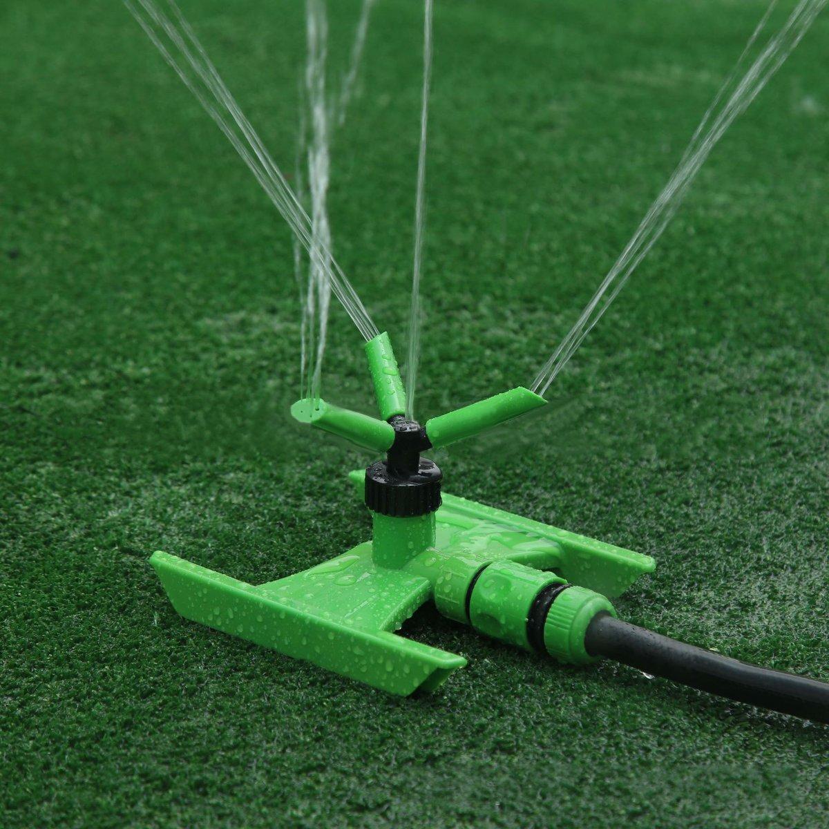 Вращающийся на 360 ° Сад Спринклер для газонов Травяные брызги Полив Полив Инструмент