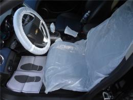 Защитный набор чехлов для салона (на кресло, чехол на руль, рычаг МКПП/АКПП, ручной тормоз, коврик)